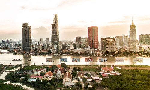 môi giới ngoại âm thầm đổ bộ bất động sản Việt Nam